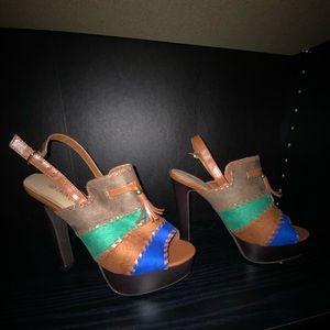 NEW * Peep toe heels